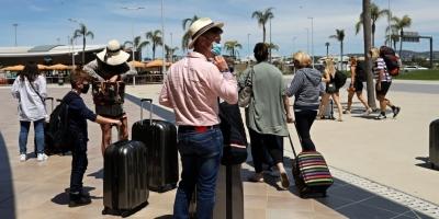 Πορτογαλία: Αποχωρούν άρον άρον οι Βρετανοί τουρίστες για να γλιτώσουν την καραντίνα