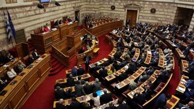Βουλή: Αντιπαράθεση Σπίρτζη με Σταϊκούρα και Λοβέρδο για τον Προϋπολογισμό του 2018