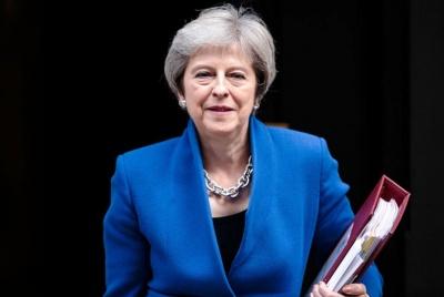 Βρετανία: Ακυρώνει τη συμμετοχή της στο Φόρουμ του Davos η Theresa May