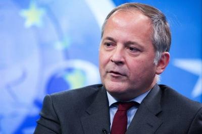 Coeure: Ζοφερές οι ενδείξεις για την παγκόσμια οικονομία - Να μην αγνοούν οι Κεντρικές Τράπεζες τα μηνύματα των αγορών