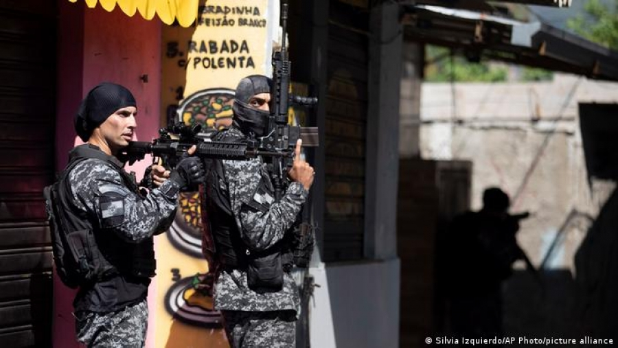 Βραζιλία: Τουλάχιστον 25 νεκροί από συμπλοκή κατά τη διάρκεια αστυνομικής επιχείρησης σε φαβέλα