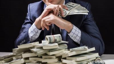 Εν μέσω πανδημίας ο πλούτος των δισεκατομμυριούχων παγκοσμίως «εκτοξεύθηκε» στα 13 τρισεκ. δολάρια