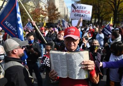 Μεγάλη πορεία στην Ουάσιγκτον από υποστηρικτές του Trump