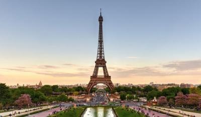 Κορωνοϊός: Η Γαλλία κλείνει καταστήματα, εστιατόρια και χώρους ψυχαγωγίας