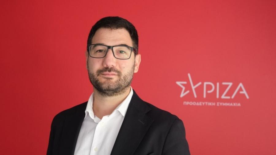 Κόντρα για την... αργία της Δευτέρας (2/8) - Ηλιόπουλος:  Ο κ. Μητσοτάκης νομίζει ότι όλοι πηγαίνουν στη δουλειά με το όχημά τους
