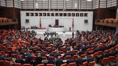 Τουρκία: Εγκρίθηκε νόμος που «κλείνει» τις ΜΚΟ και περιορίζει τα μέσα κοινωνικής δικτύωσης