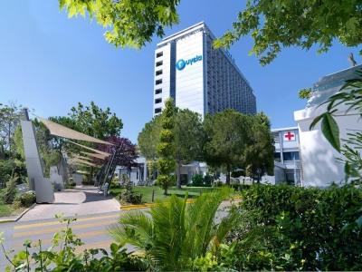 Υγεία: Ανακαίνισε το Κέντρο Ακτινοθεραπευτικής Ογκολογίας