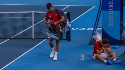 Τένις: Αποσύρθηκε από τον αγώνα του μικτού ο Τζόκοβιτς!