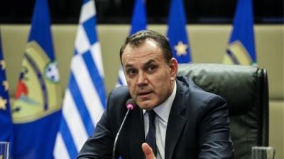 Σε προληπτική καραντίνα ο υπουργός Άμυνας  Παναγιωτόπουλος - Ασκεί κανονικά τα καθήκοντά του