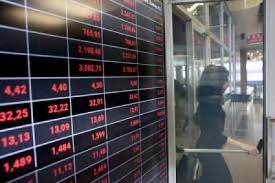 Λίγο μετά το κλείσιμο του ΧΑ – Βαριά πτώση, με το βλέμμα στις στηρίξεις και στις ξένες αγορές
