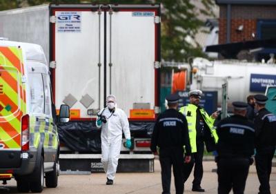 Βρετανία: Έρευνα σε Βιετνάμ και Λονδίνο για το θάνατο των 39 ανθρώπων σε κοντέινερ στο Έσσεξ