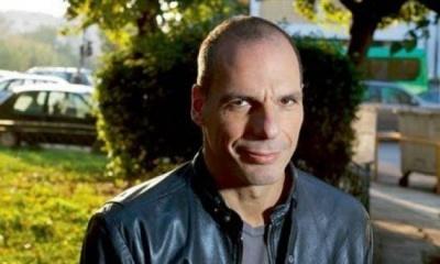 Ο Βαρουφάκης ενώ απέτυχε οδηγώντας σε capital controls τώρα μηνύει την ΕΚΤ