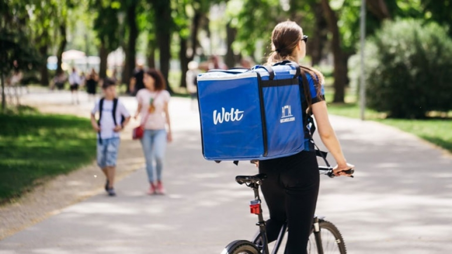 Είσοδος της Wolt στη διανομή προϊόντων σούπερ μάρκετ, με σύσταση νέας εταιρείας