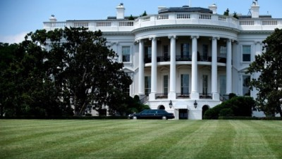H αστυνομία πυροβολεί οπλισμένο άντρα έξω από τον Λευκό Οίκο