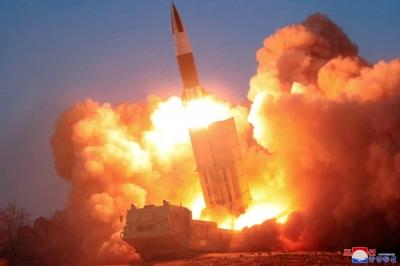 Νέα εκτόξευση βαλλιστικών πυραύλων από τη Βόρεια Κορέα