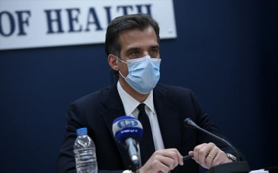Αρκουμανέας (ΕΟΔΥ): Αν χρειαστεί, θα επιστρέψουμε σε lockdown – Αντίδοτο τα εμβόλια
