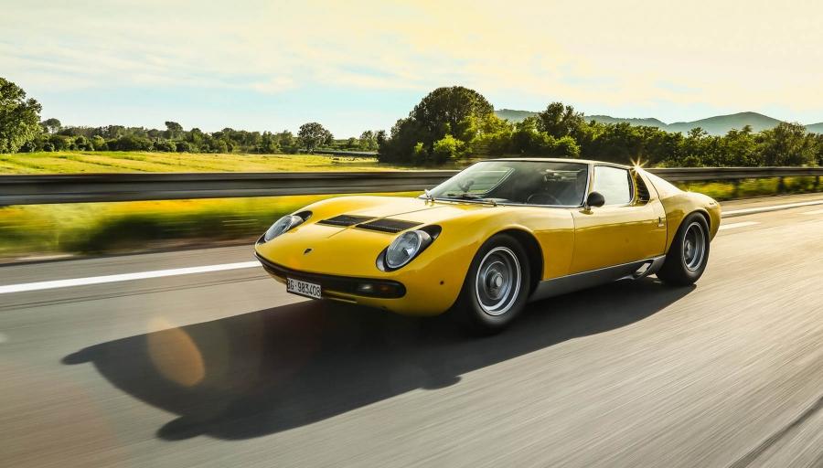 Μισό αιώνας για την πανέμορφη Lamborghini Miura SV
