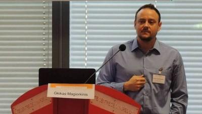 Την παραίτηση Μαγιορκίνη από την επιτροπή εμπειρογνωμόνων για τον Covid -19 ζητεί ο ΣΥΡΙΖΑ