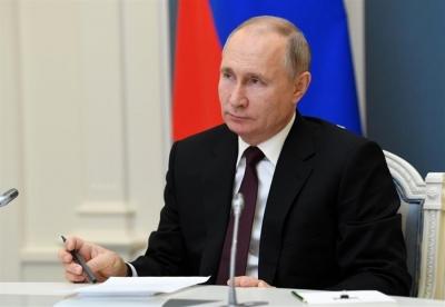 Ρωσία: O Putin υπέγραψε το νόμο για να παραμείνει στο Κρεμλίνο έως το 2036