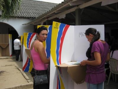 Κολομβία: Στις κάλπες σήμερα (27/5) οι πολίτες για τις προεδρικές εκλογές - Αβέβαιο το μέλλον της ιστορικής συμφωνίας ειρήνης