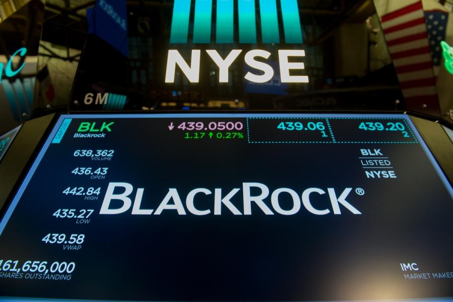 BlackRock: Μειώνει θέσεις σε κρατικά ομόλογα, ψήφος εμπιστοσύνης στις μετοχές