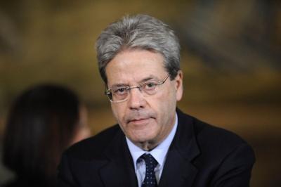Gentiloni: Η ΕΕ θα αποφασίσει στην επόμενη Σύνοδο Κορυφής (22-23/3) μια κοινή θέση για τους δασμούς των ΗΠΑ