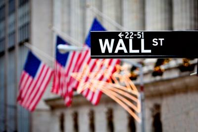 Νέα ιστορικά ρεκόρ στη Wall Street λόγω προσδοκιών για μείωση των επιτοκίων, στο +0,67% ο Dow - Σε υψηλά ενός έτους οι ευρωαγορές