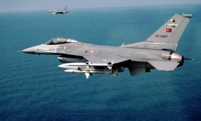 Παραβιάσεις τουρκικών F-16 στο ΒΑ και ΝΑ Αιγαίο