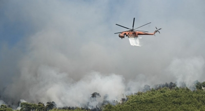 Νέα φωτιά περιμετρικά του Βόλου, απειλεί κατοικημένες περιοχές