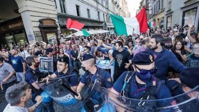 Ιταλία: Ένταση και επεισόδια σε διαδήλωση κατά του υποχρεωτικού εμβολιασμού