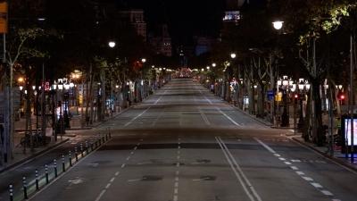 Ισπανία: Παρατείνεται η απαγόρευση κυκλοφορίας σε Βαρκελώνη και άλλες περιοχές - Τι αναφέρει το δικαστήριο