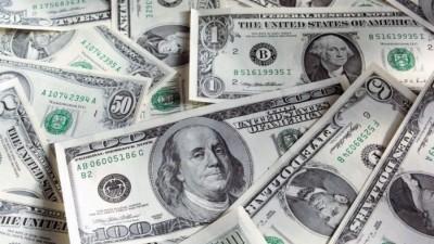 Η πανδημία και το γεωπολιτικό ρίσκο βυθίζουν το δολάριο ΗΠΑ