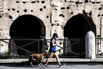Ιταλία: Χαλάρωση των μέτρων με άνοιγμα εστίασης και άθλησης από 26/4