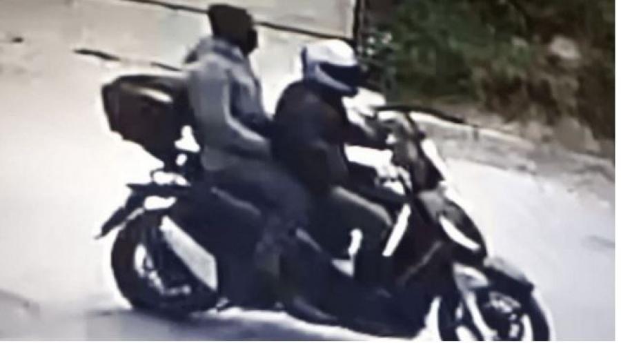 Δολοφονία Καραϊβάζ: Το τελευταίο αντίο στο δημοσιογράφο - Βίντεο και φωτογραφίες των δραστών στα χέρια της ΕΛ.ΑΣ