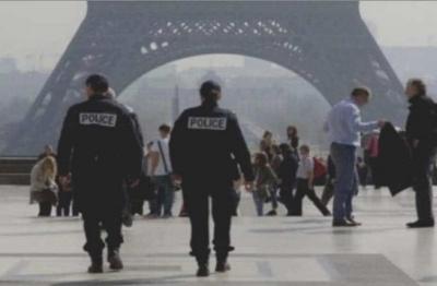 Γάλλοι αστυνομικοί απειλούν να εγκαταλείψουν τα πόστα τους όσο δουλεύουν χωρίς προστασία