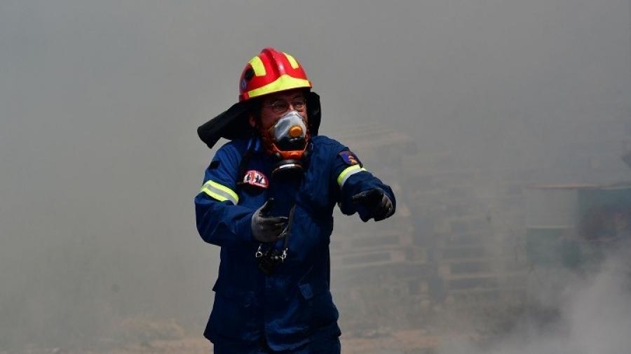 Υπό μερικό έλεγχο η πυρκαγιά σε δασική έκταση στο Λαύριο