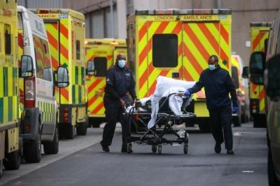 Λιγότερους θανάτους από την Ελλάδα καταγράφει η Βρετανία – Μείωση και στα κρούσματα