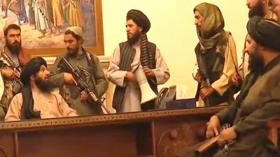 Παγκόσμιο σοκ από το χάος στο Αφγανιστάν – Οι Taliban κατέλαβαν την Καμπούλ, οργή κατά Biden - Πανικός στο αεροδρόμιο