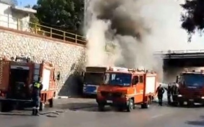Φωτιά σε λεωφορείο του ΟΑΣΑ στην εθνική οδό Αθηνών – Λαμίας – Προκλήθηκαν ζημιές