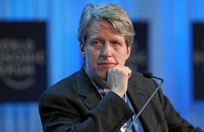 Shiller (νομπελίστας οικονομολόγος): Επικρατεί ένα χάος - Κίνδυνος για νέα οικονομική κρίση λόγω των δασμών