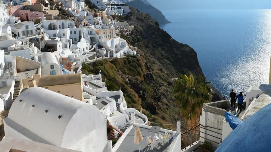 Η TUI ακυρώνει ταξίδια προς εννέα περιοχές της Ελλάδας