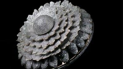 Ρεκόρ Guinness για το δαχτυλίδι 38,08 καρατίων με τα 12.638 διαμάντια