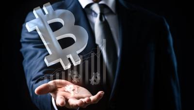 Βitcoin: Παροδικές πιέσεις λόγω λήξης options 1,6 δισ. δολ. - PwC: Επιστρέφουν επενδυτές Γολιάθ