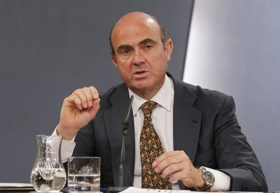 De Guindos: Αυτό που συμφέρει την Ελλάδα, την Ισπανία και την Ιταλία είναι η ευρωπαϊκή βοήθεια μέσω επιχορηγήσεων και όχι δανείων