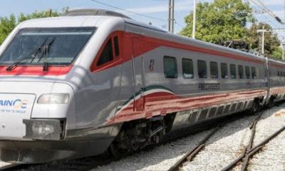 Τρένο με κατεύθυνση τη Θεσσαλονίκη προσέκρουσε στα βράχια ενός τούνελ