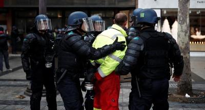 Η Ύπατη Αρμοστεία καταδικάζει τις αστυνομικές βιαιότητες κατά των «Κίτρινων Γιλέκων»