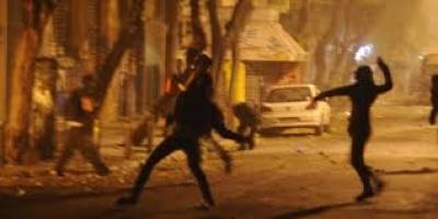 Επεισόδια με μολότοφ κατά διμοιρίας των ΜΑΤ στην Αθήνα – Τραυματίστηκε αστυνομικός