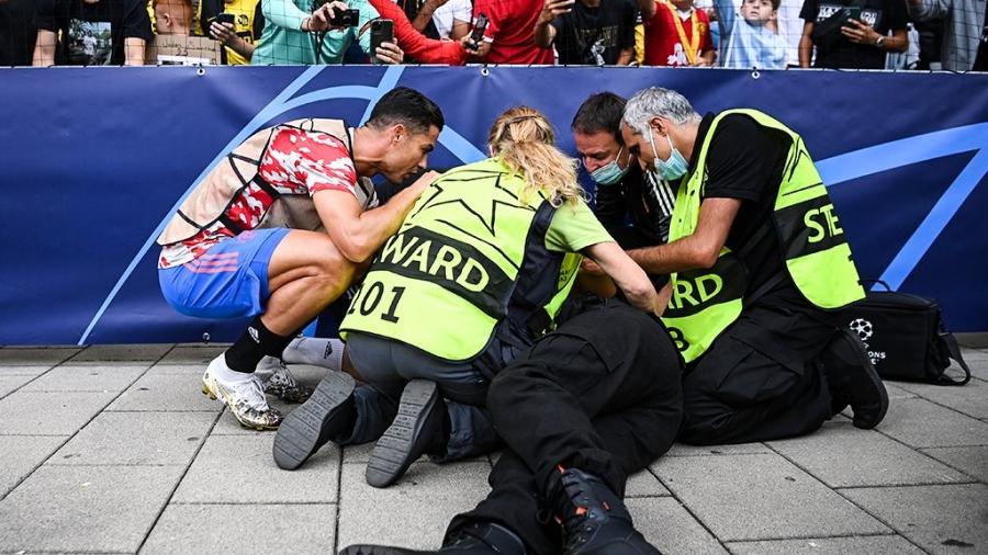 Ο Κριστιάνο χτύπησε, κατά λάθος, γυναίκα από την ομάδα περιφρούρησης του γηπέδου! (video)