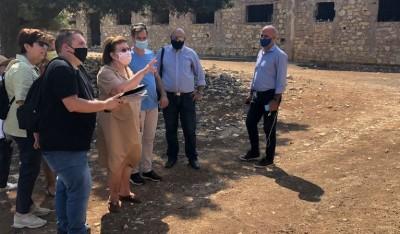 Στη Λέρο κλιμάκιο του ΥΠΠΟΑ – Μενδώνη: Πρέπει να  αποτελέσει πόλο έλξης για τους λάτρεις του ιστορικού τουρισμού