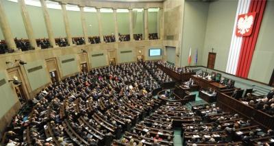 Πολωνία: Ενέκρινε η Γερουσία το νομοσχέδιο για το Ολοκαύτωμα παρά τις διεθνείς αντιδράσεις